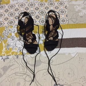 Only worn 1x lace up black sandals
